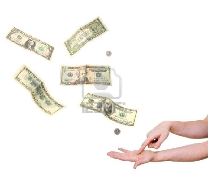 4580168-palma-en-la-mano-apuntando-exigiendo-dinero-aisladas-en-blanco[1]